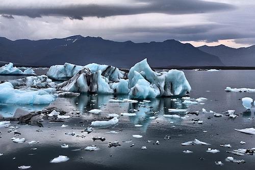 glacier floating